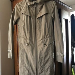 Cole Haan Raincoat Size Small. Packable Raincoat